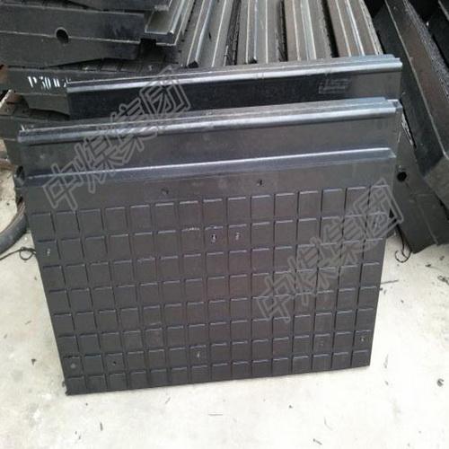 供应重型橡胶道口板