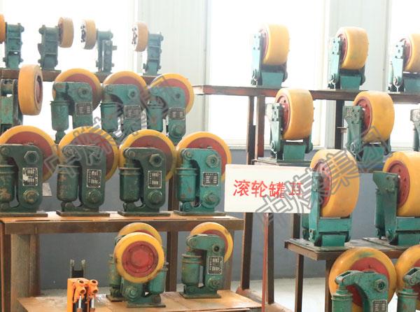 滚轮罐耳生产厂家滚轮导向装置型号罐耳销售价格