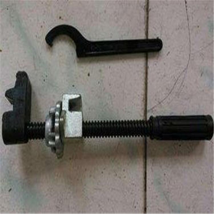 尖轨钩锁器,尖轨钩锁器使用规格