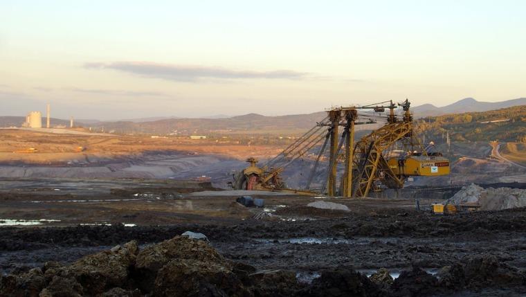需求下降煤价走低 中煤能源一季度净利润降57.9%
