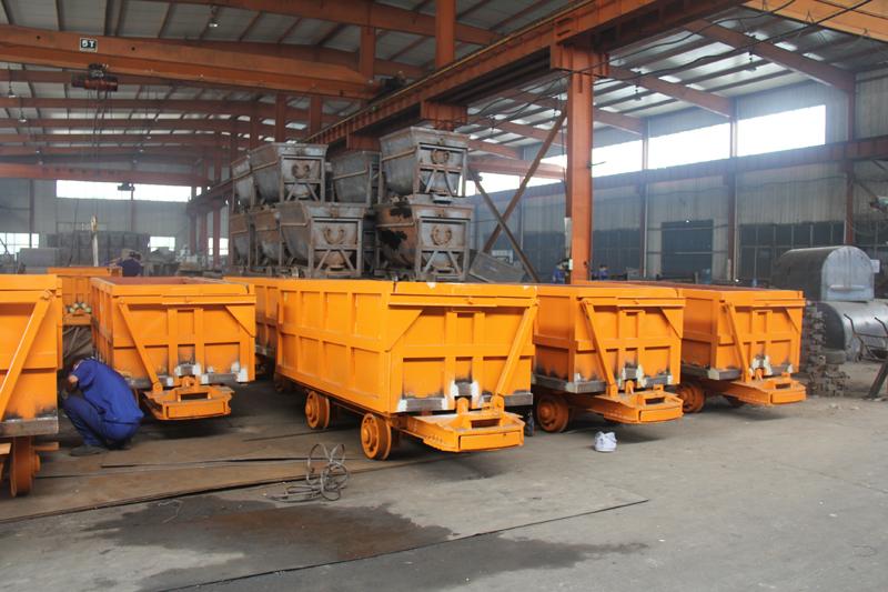 MCC2.0-6单侧曲轨侧卸式矿车