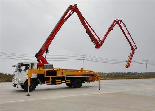 混凝土臂架泵车