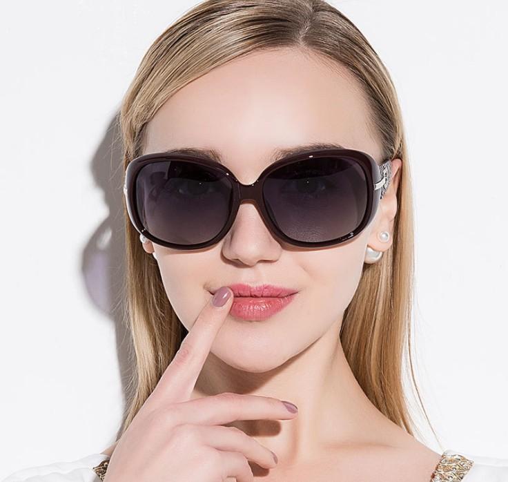 新款镶钻女士偏光太阳镜 时尚大牌墨镜 潮流眼镜批发P6214