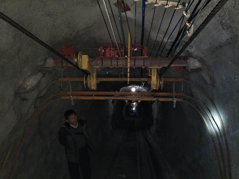 煤矿跑车防护装置