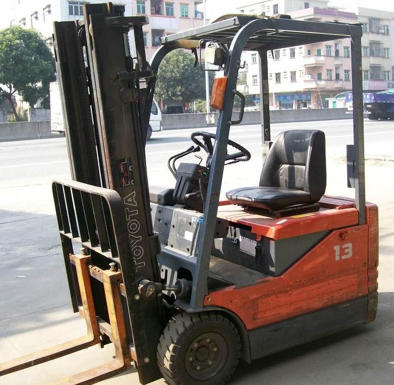 叉车3.5吨四轮座驾式燃料叉车 铲车半自动堆高搬运装卸车