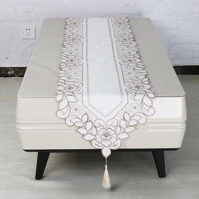 简约金银白桌旗 素雅大方刺绣经典涤纶桌巾 家用茶席一件代发