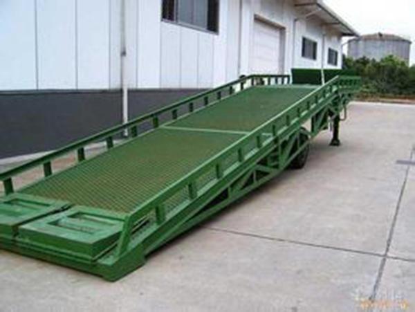10T吨叉车卸货平台移动式液压登车桥 装卸平台集装箱装货平台