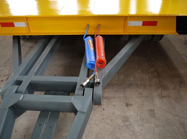 大型带气刹牵引拖车 手电刹牵引平板拖车