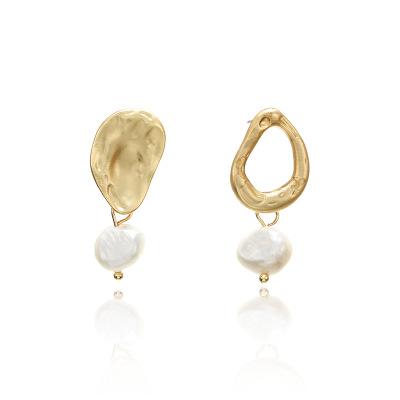 欧美简约不规则淡水珍珠耳环女 创意新款哑光合金耳钉配饰