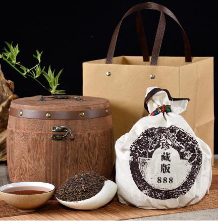 赠布袋圆木桶普洱茶礼盒装 聚天禾云南勐海普洱熟茶250g 配手袋