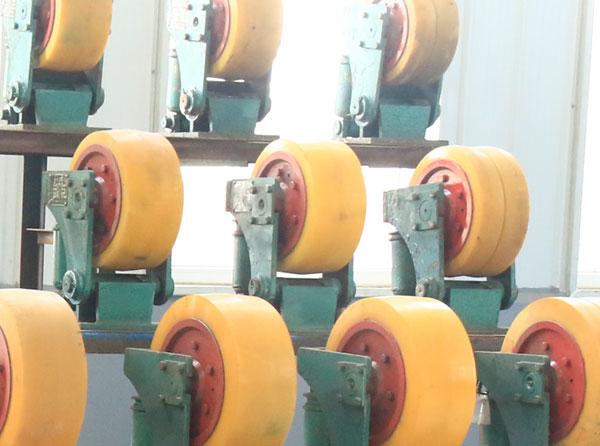 L25滚轮罐耳厂家货源,L25滚轮罐耳工作效率高